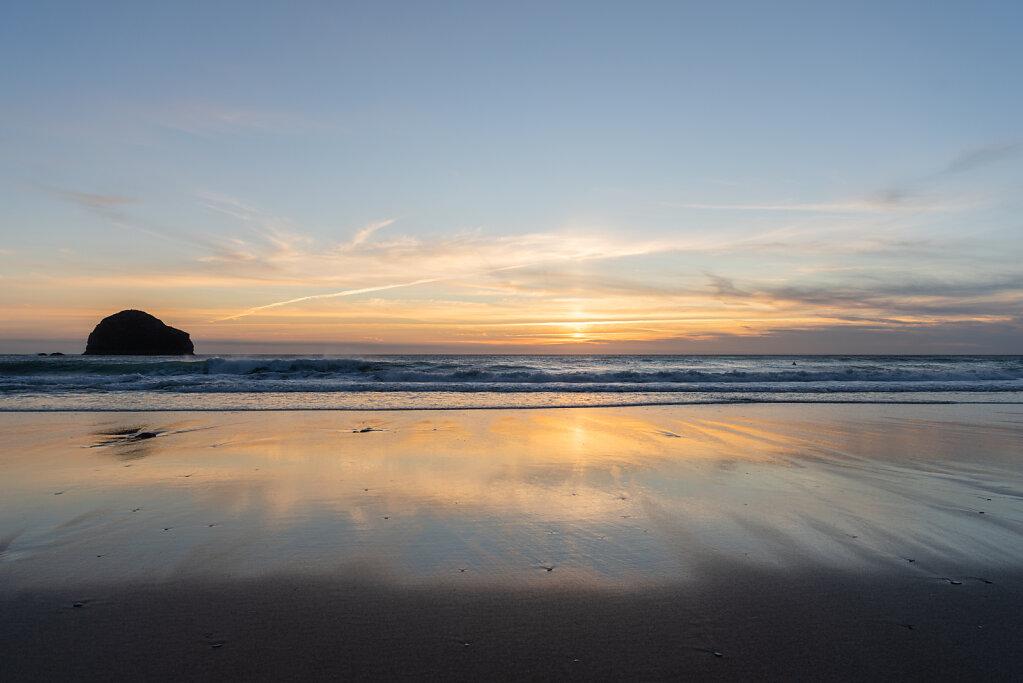 Reflection-on-the-beach.jpg